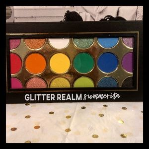 NWOT: Glitter Realm Summrita Color Me Bad palette